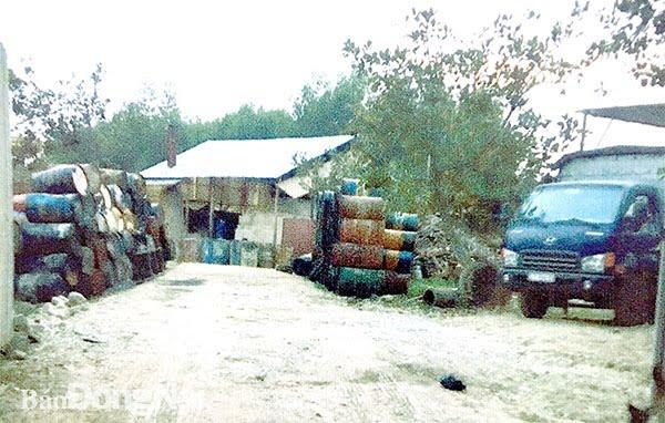 Cơ sở tái chế dầu nhớt
